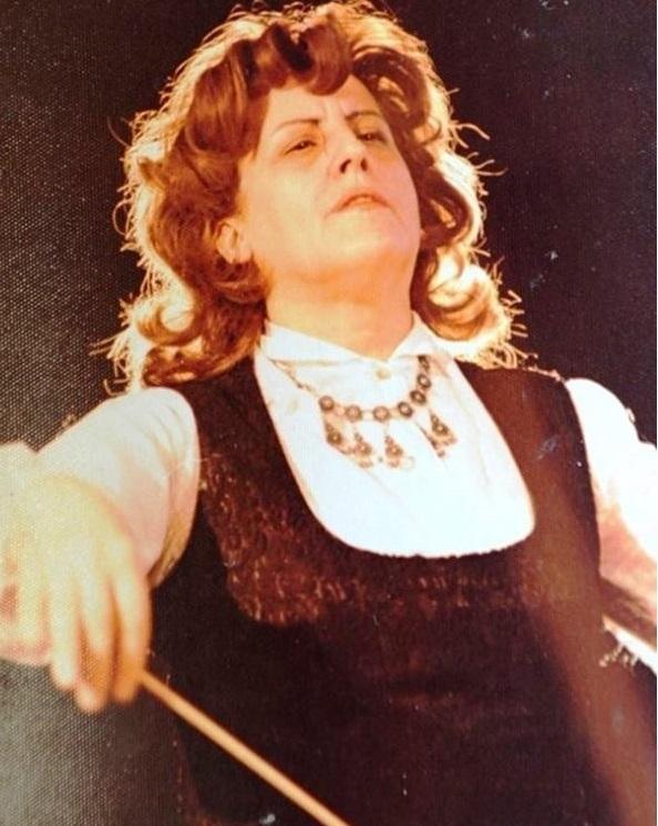 На 96 години почина първата диригентка в България и почетен