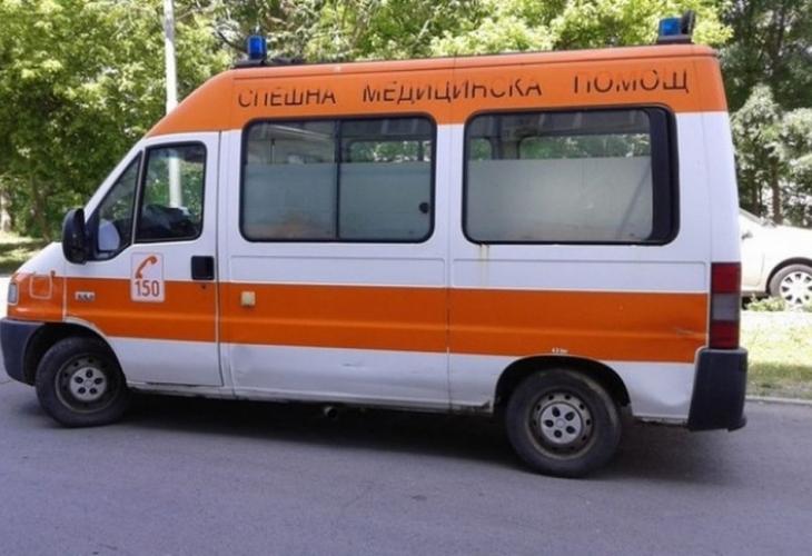 Снимка: Брутална агресия: Млад мъж помля от бой възрастна жена в София