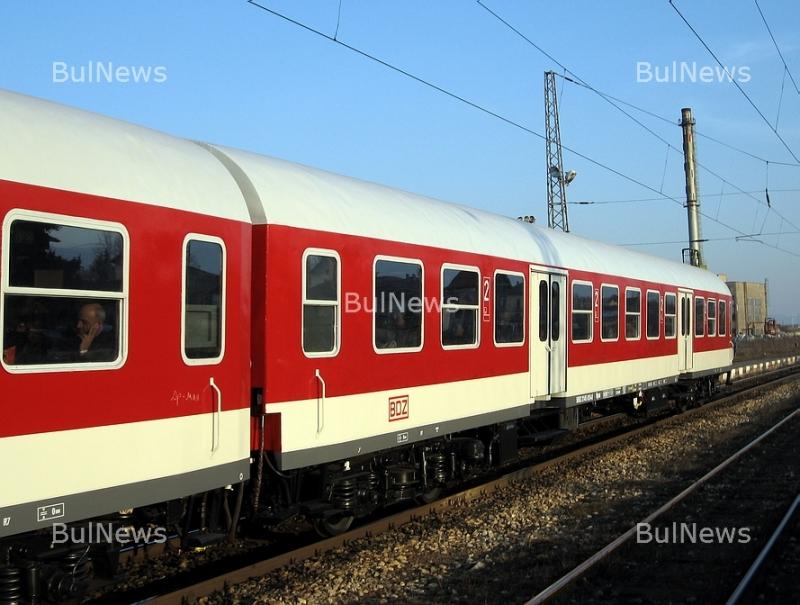 Вентилатори дали на късо и подпалили влака Бургас-София