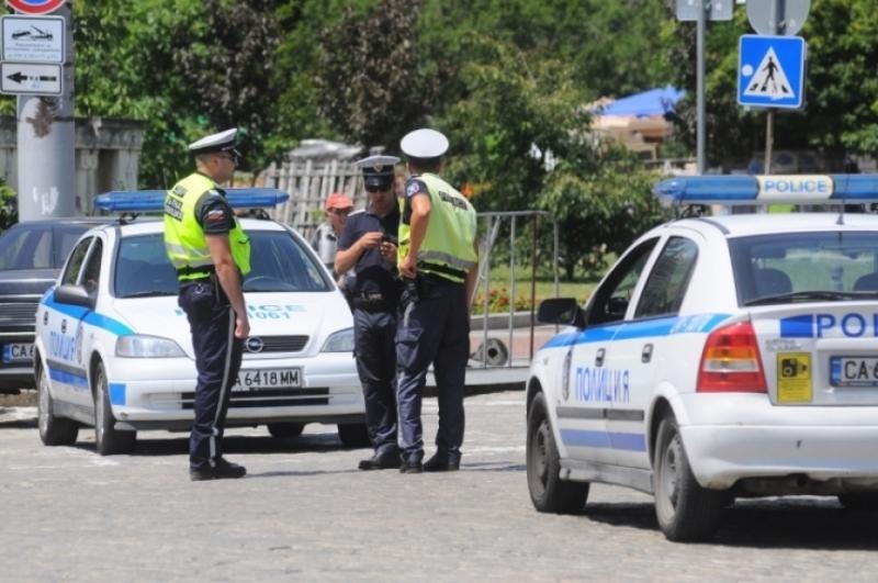 Двама нередовни шофьори са били заловени във Врачанско, съобщиха от