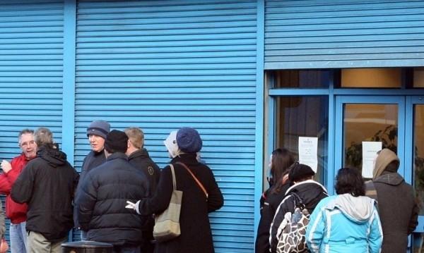 133 000 от безработните българи търсят работа с помощта на