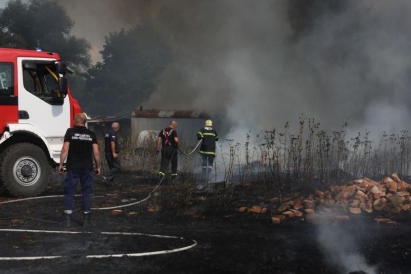 Голям пожар е горял край Арчар, съобщиха от полицията във