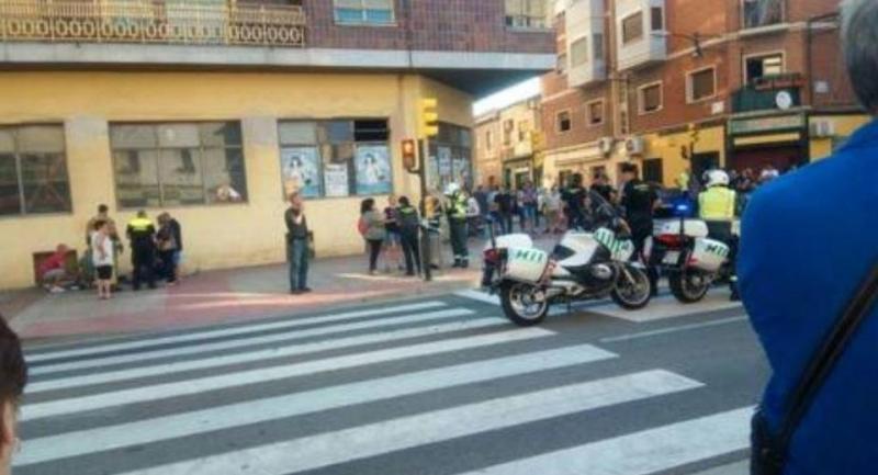 Трима души са ранени, след като кола удари пешеходци в