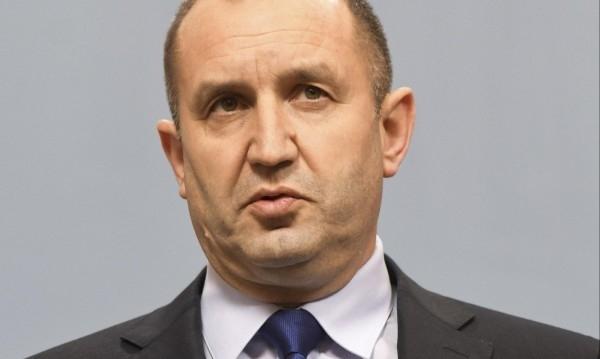 Държавният глава Румен Радев връща за ново обсъждане в Народното