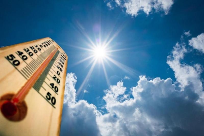 Близо 400 абсолютни температурни рекорда са били счупени през лятото