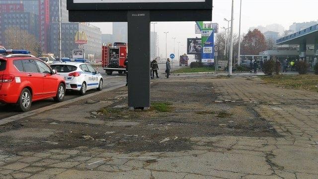 """Лек автомобил се е ударил в колонка на бензиностанция """"OMV"""""""