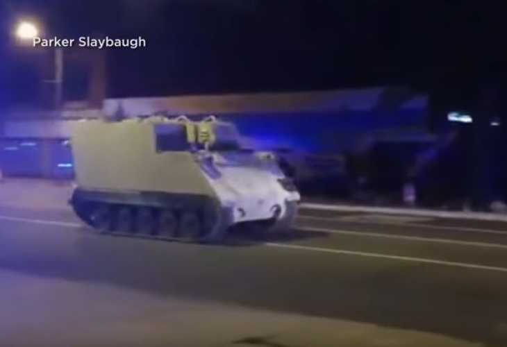 Откраднат бронетранспортьор стана повод за зрелищна полицейска гонка по пътищата