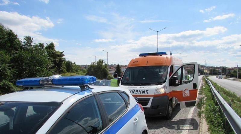 Шофьор на камион, помел жена на пешеходна пътека във Врачанско,