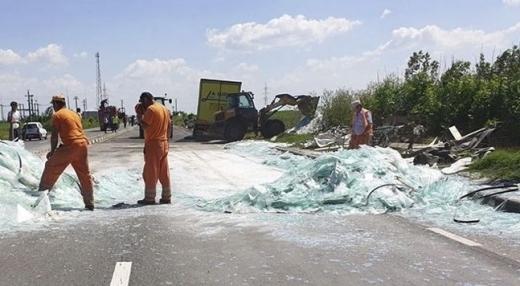 Тежка катастрофа край румънското село Узуну затвори пътя Русе -