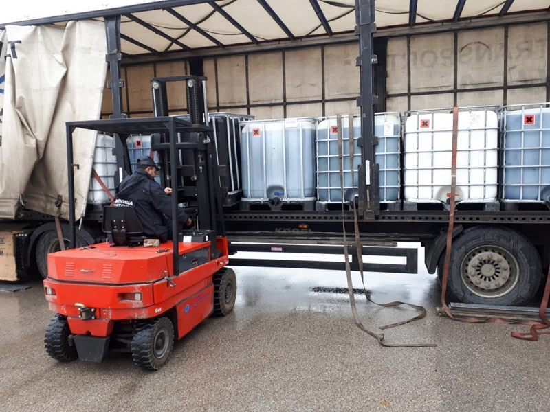 Митничари задържаха над 21 тона енергийни продукти на Дунав мост 2 /снимки/