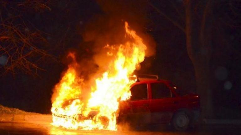 Лек автомобил е горял в монтанското село Замфирово, съобщиха от