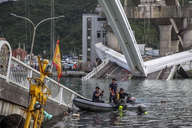 Седем души са се удавили, а други трима са безследно