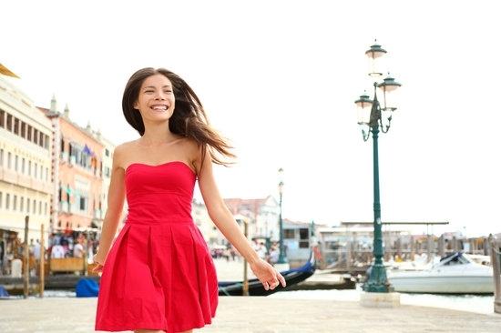 Множество проучвания показват, че дрехите, които носим издават характера ни.
