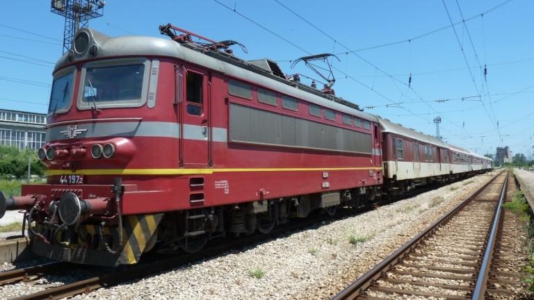 """""""БДЖ-Пътнически превози"""" ще осигури над 8000 допълнителни места във влаковете"""