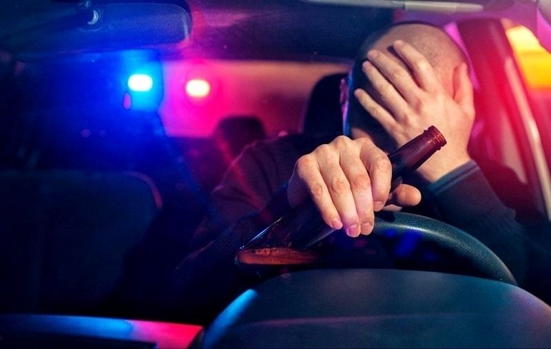 Служители на реда са хванали пиян шофьор да управлява лек
