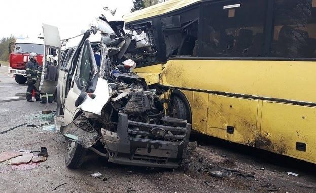 Според предварителните данни тежката автомобилна катастрофа в района на Твер