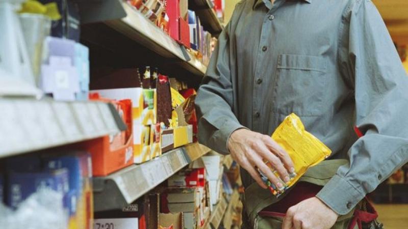 Глад! Младеж задигна храна от врачански магазин