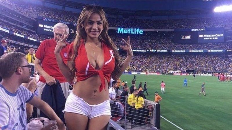 Какво е световно по футбол без фенките на стадиона. В