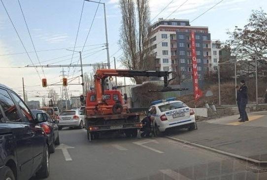 Паяк вдигна полицейска кола в София, съобщиха очевидци. Станал свидетел