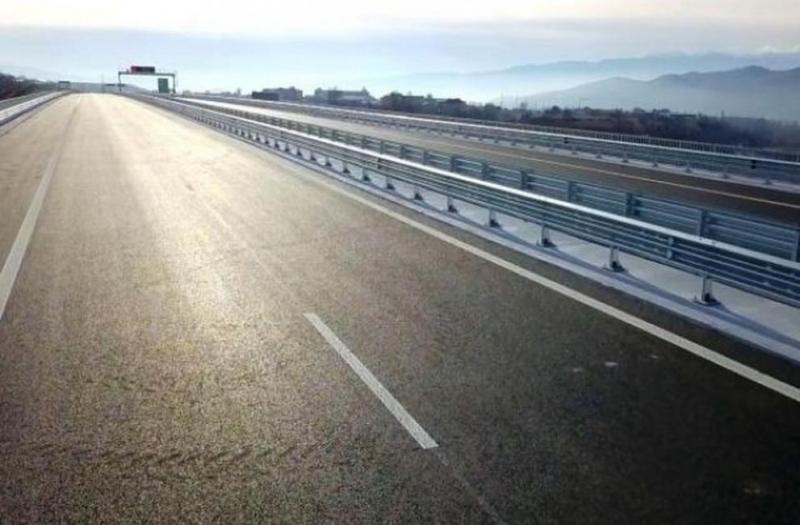 """Движението по автомагистрала """"Хемус"""" в понеделник ще се осъществява в"""
