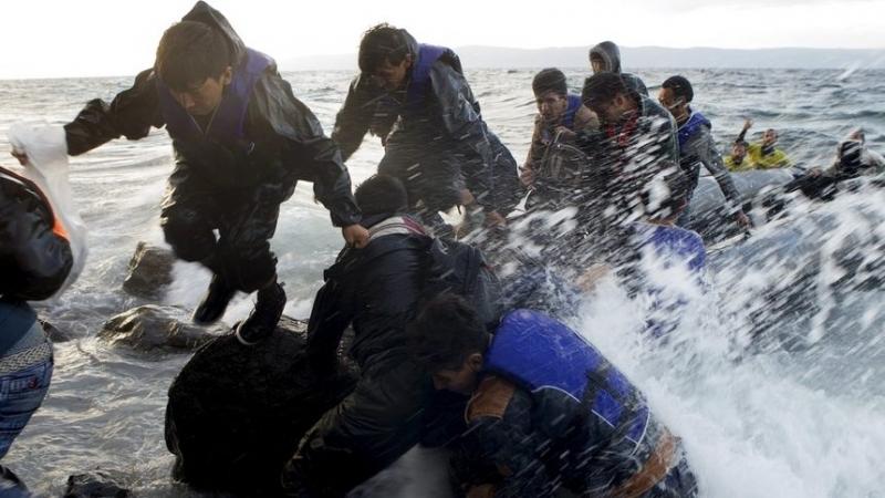 Екипи на турската брегова охрана спасиха 46 мигранти, сред които