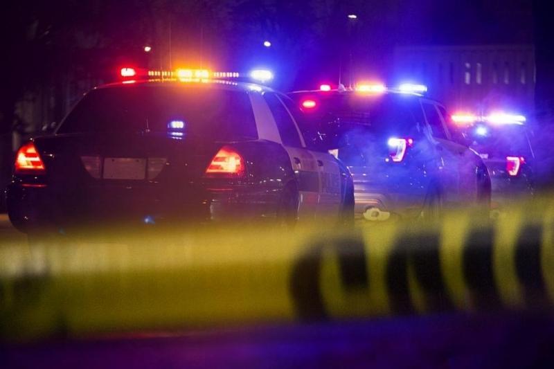Двама души убити, а други 14 са ранени след стрелба