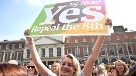 Ирландците одобриха с голямо мнозинство да се легализират абортите, които