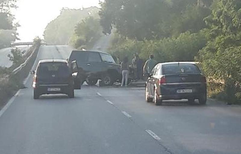 Джип катастрофира на Е-79 между Враца и Мездра, материалните щети са големи /снимки/