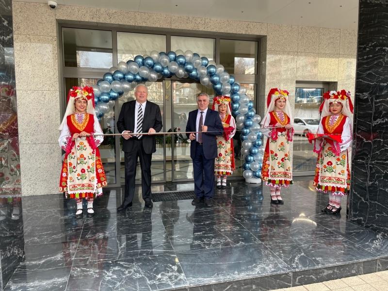 """Днес тържествено в Мездра беше открит хотелски комплекс """"Ариел"""", видя"""