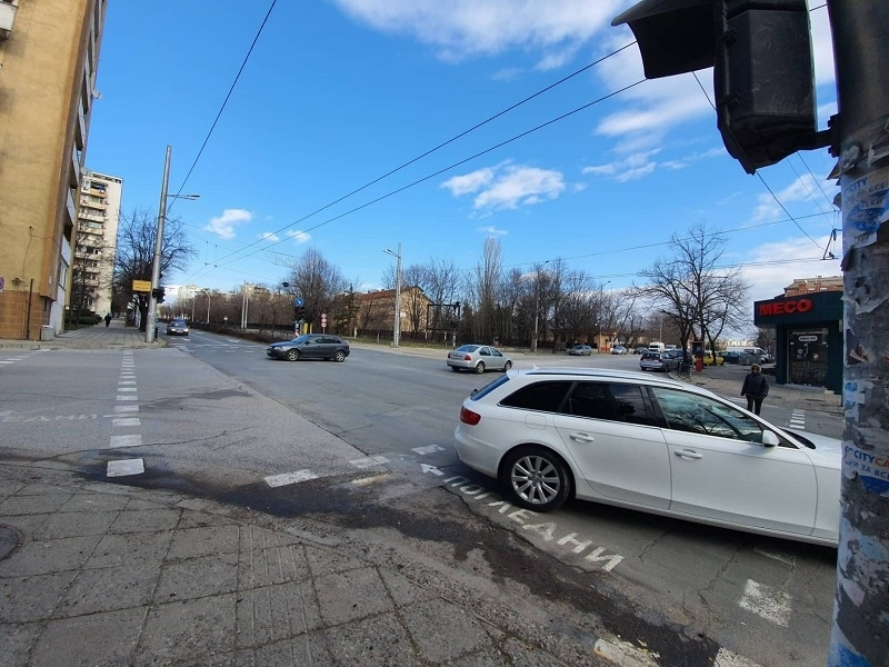 Бременната в 9 месец жена, пострадала при катастрофа в Хасково