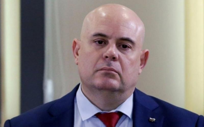 БХК осъди главния прокурор заради отказ на информация