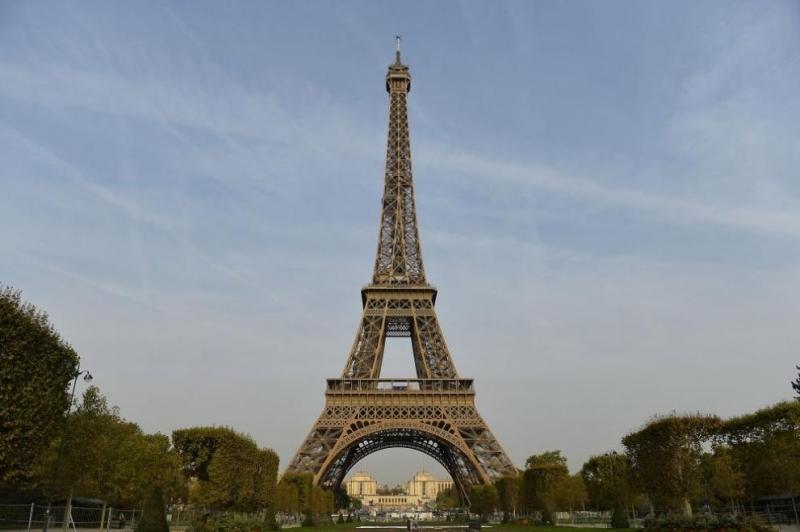 Една от основните забележителности на Париж ще бъде затворена за