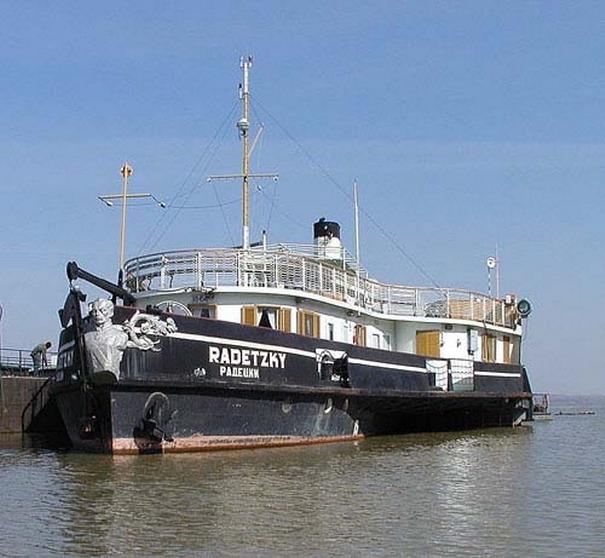 """Капитан на кораба """"Радецки"""" търси националният исторически музей, който стопанисва"""