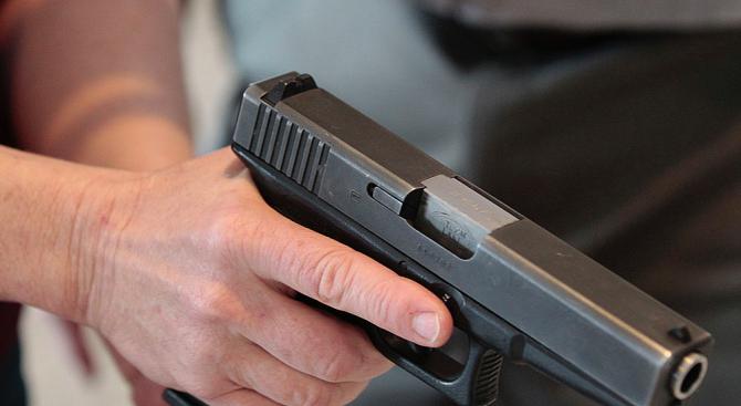 Врачанин е вдигнал накрак полицията, след като опрял пистолет в