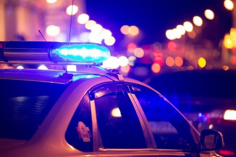 Полицията в Сливен задържа 33-годишен мъж за убийство,съобщиха от полицията.