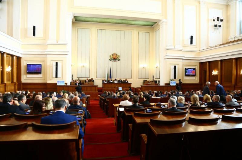 """Кабинетът """"Борисов 3"""" оцеля след четвъртия вот на недоверие. Той"""