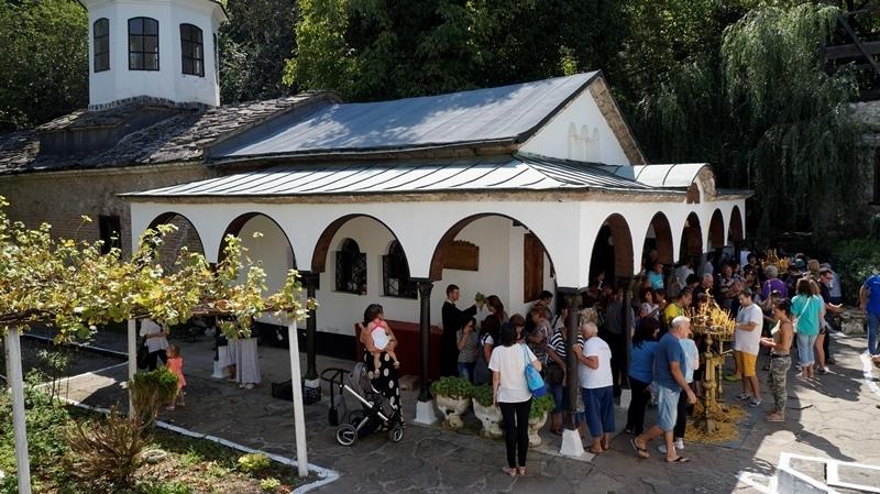 На 15 август Българската православна църква чества един от 12-те