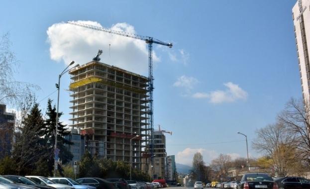 """Снимка: ДНСК спира изпълнението на строежа """"Златен век"""""""