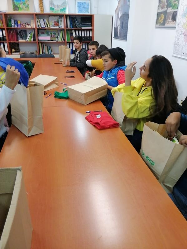 РИОСВ – Враца, съвместно с ученици от 6-ти и 7-ми