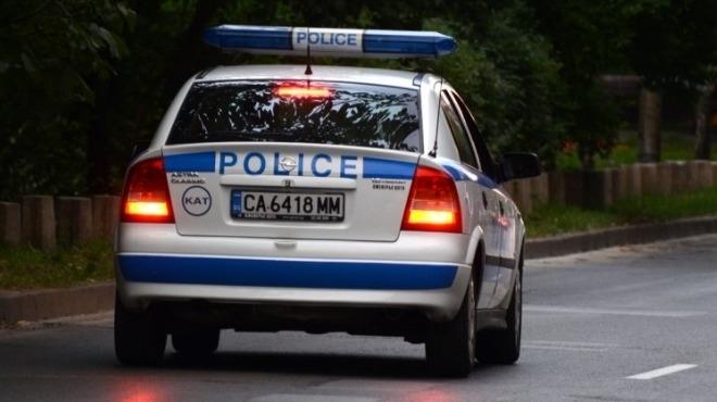 """Полицаи гониха лек автомобил """"Фолксваген Голф"""" из цял Лом, съобщиха"""