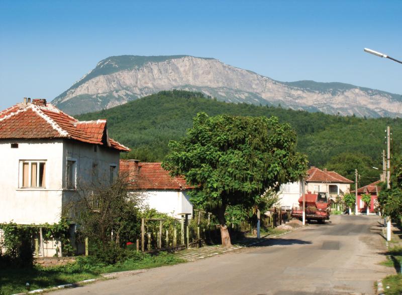На 18 август балканското селце Горно Озирово се събира на