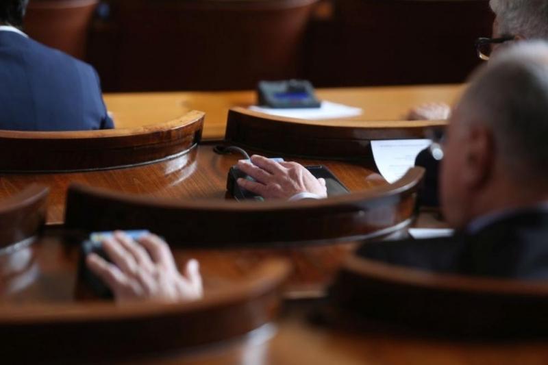 Петъчно: Парламентът не събра кворум за започване на пленарното заседание