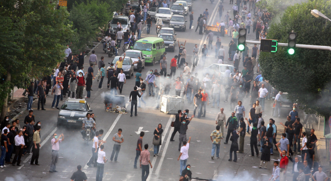 При нападението на военен парад в югозападния ирански град Ахваз