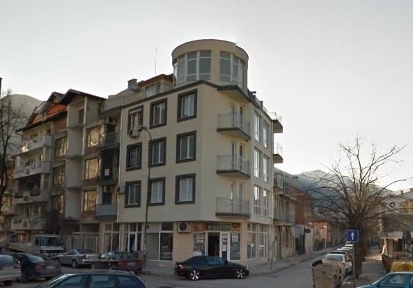 Частен съдебен изпълнител обяви на търг огромен апартамент в центъра