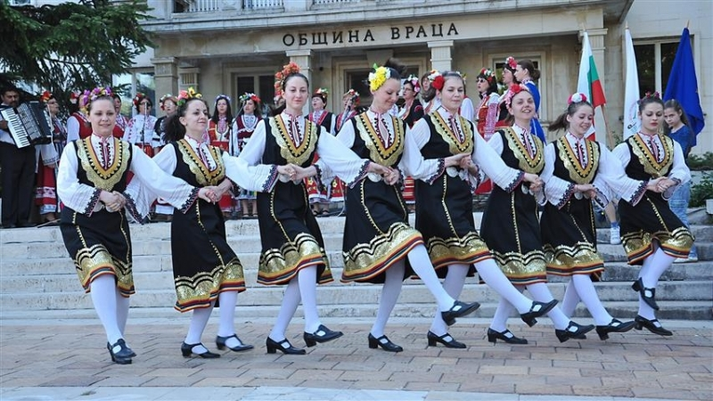 Над 350 танцьори и певци от 19 читалища в общинаВрацаще
