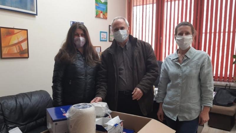 12 инхалатора бяха дарени на Детското отделение на Многопрофилна болница