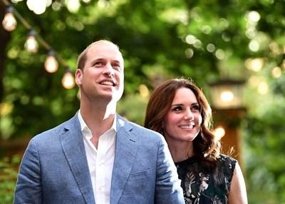 Кейт Мидълтън роди, предаде Скайнюз. Очакваното кралско бебесе появи на