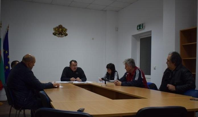 """Управителният съвет на Общинския футболен клуб """"Първа атомна"""" за малко"""
