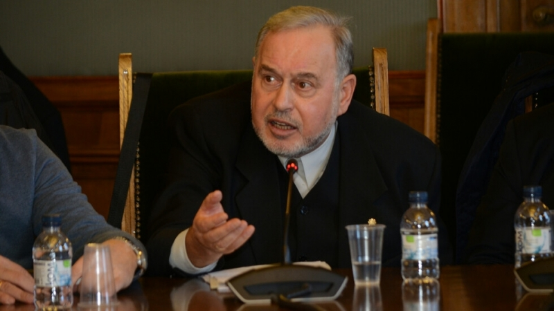 Депутатът от БСП Славчо Велков подаде оставка. Парламентът прекрати пълномощията