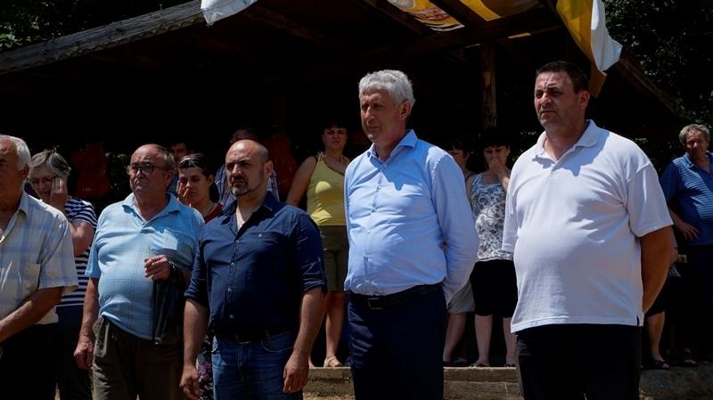 На Свети Дух храмов празник честваха жителите на китното балканско